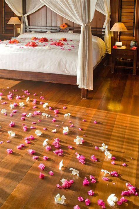 petals room decoration 17 best images about honeymoon suite decor on and newlyweds