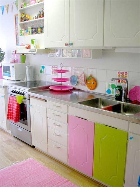 mod鑞e cuisine 駲uip馥 plus de 1000 id 233 es 224 propos de meubles couleur couleur