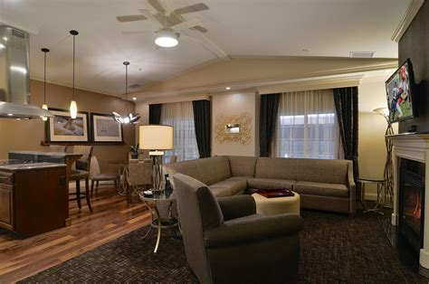 hotels with living rooms hotel rooms with two bedrooms 2 bedroom suites in