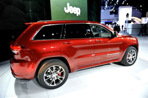 srt jeep 2011 nyias 2011 jeep grand srt8 live photos