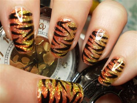 tiger pattern nail art orange gold glitter tiger stripe nail art gallery