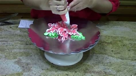 how to pipe a poinsettia cake decorating youtube