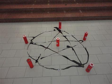 segni degli illuminati simboli satanici nella chiesa di san giuseppe operaio