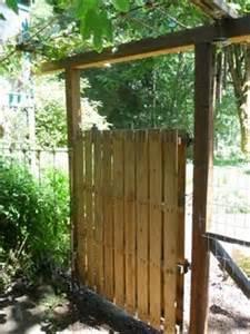 Ideas For Old Gates Diy Wooden Pallet Gate Ideas Pallets Designs