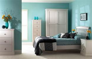 Contemporary Bedroom 20 of the best colors to pair with black or white