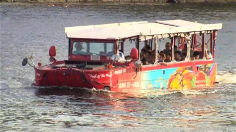 are boston duck boats safe boston tourists riding duck boats we felt very safe