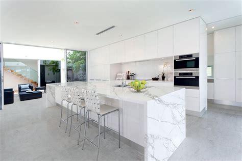 keramik scheune kitchen island white kitchen grey flooring neolith porcelain countertops