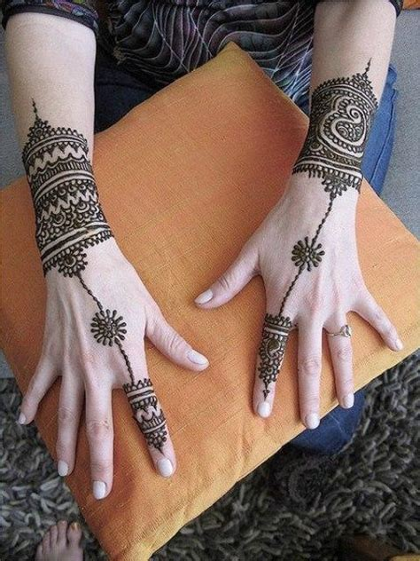 henna nice design latest eid hand mehandi design catalog 2012