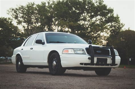 buy car manuals 2010 ford crown victoria on board diagnostic system your used crown victoria police interceptor buyer s guide