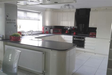 chippendale gloss ivory kitchen maghull liverpool
