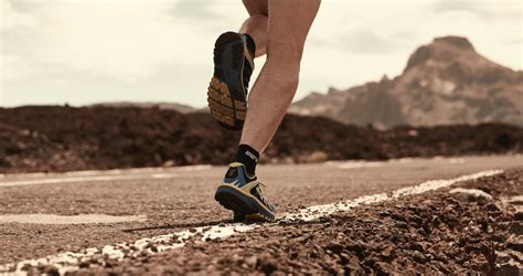 trail running vs road running shoes trail running shoes vs road running shoes 28 images