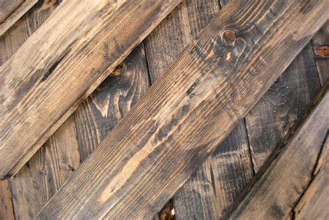 3 ways to distress wood