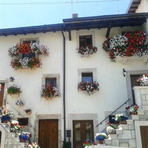 balconi fioriti immagini fotogallery balconi fioriti a pescocostanzo il corrierino