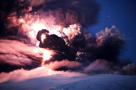 Volcano L by Le 7meraviglie Parte 3 Eyjafjallajokull L Inferno Di Fulmini In Islanda