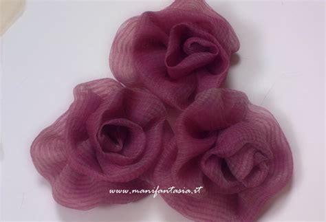 come fare i fiori con la stoffa fiori di stoffa facili tutorial e spiegazioni manifantasia