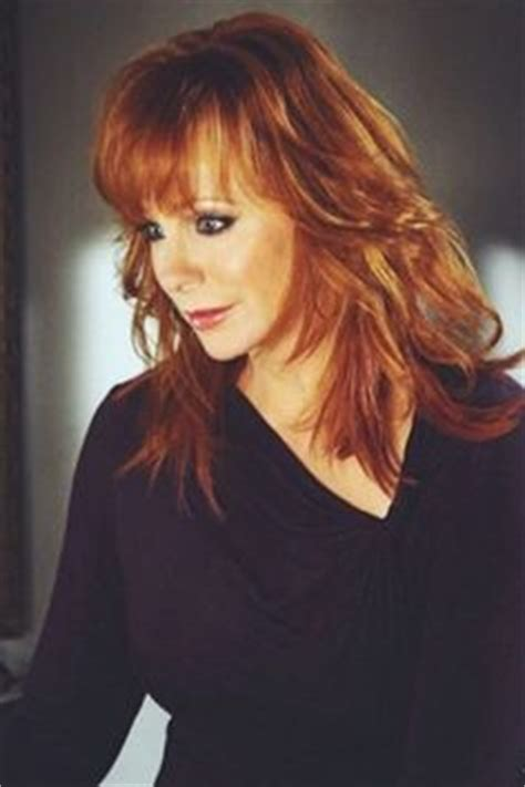 pics of reba mcintyre in pixie hair style 1000 images about ladies of country music on pinterest