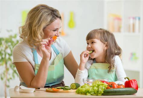 alimentazione sana per bambini alimentazione sana per i bambini i consigli pera ang 233 lys