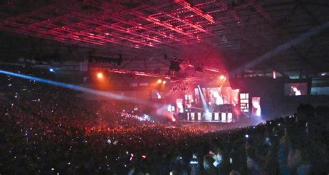 ta dome concert seating beliebers on believe tour justin bieber