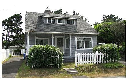 rentals in lincoln city oregon idlestone cottage a vacation rental in lincoln