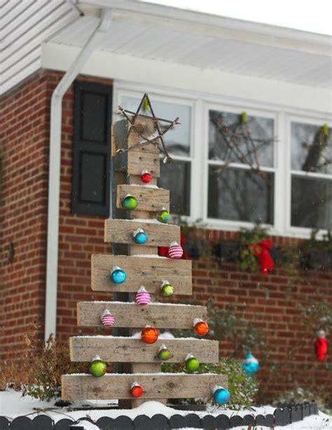 weihnachtsdeko f 252 r draussen weihnachtsbaum paletten