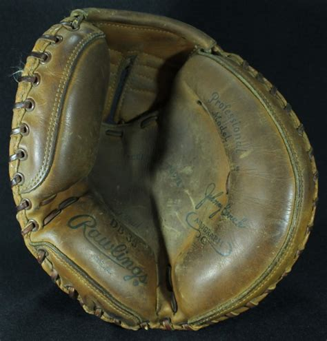 johnny bench catchers mitt online sports memorabilia auction pristine auction