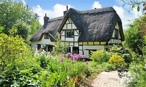 Cottages For Sale In The Uk by This Thatched Cottage For Sale Is Magic