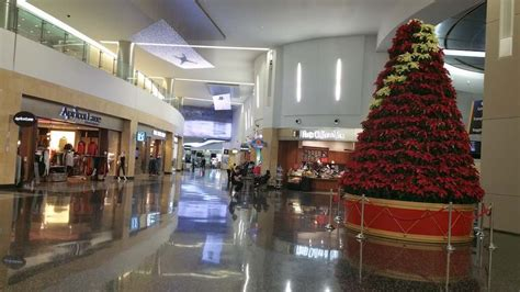 best christmas trees in san diego the best airport trees decorations around the world
