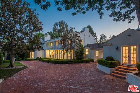 hton house hton rick snaps up 9 26 million bel air house