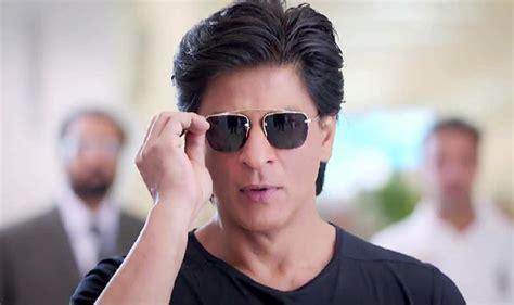 shahrukhkhan hairstyles shah rukh khan s 5 stylish looks in happy new year trailer