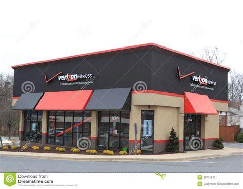 Verizon Gift Card Stores - verizon wireless store editorial image image 28771825