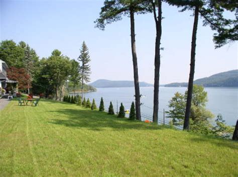 boat rentals cooperstown ny cooperstown hotel cobblescote on the lake near