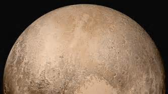 what color is pluto the new horizons