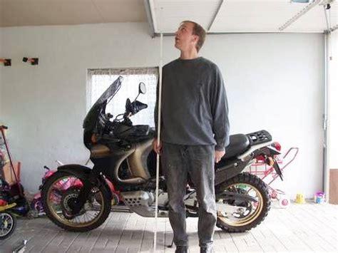 Kettenspannung Beim Motorrad by Kette Spannen