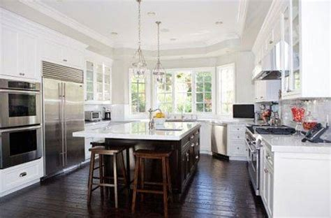 kitchens with white cabinets and dark floors kitchen white cabinets dark wood floors 20 tips for