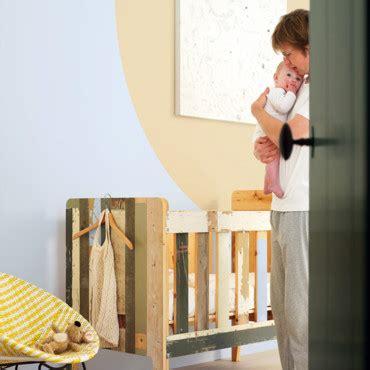 peinture pour chambre d enfant chambre d enfant papier peint ou peinture astuces d 233 co