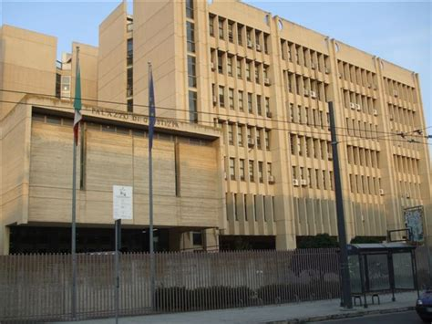 ufficio provinciale lavoro lecce licenziato dipendente tribunale di lecce per troppe