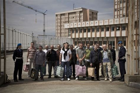 casa circondariale torino foto di gruppo per i detenuti della casa circondariale