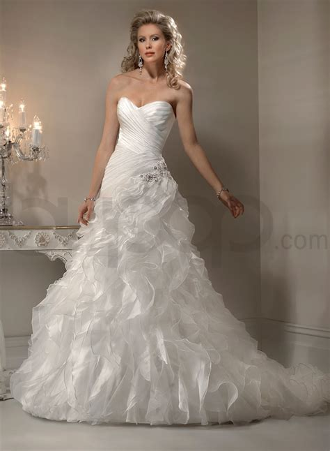 wonderful wedding gowns with sweetheart neckline