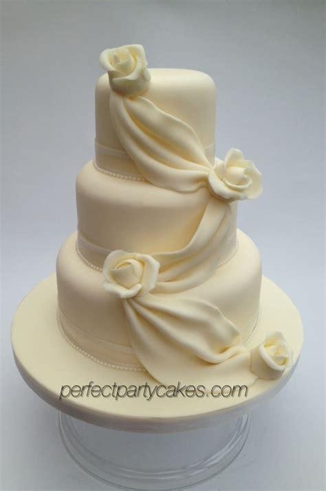 wedding cake drapes wedding cakes