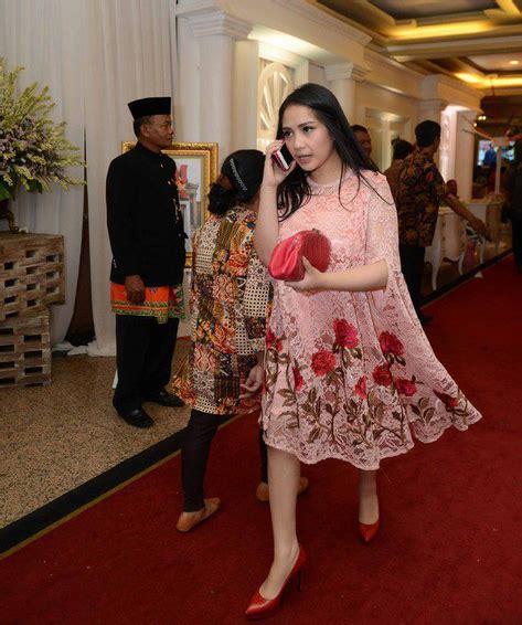 Kutubaru Anak Kebaya Anak Merah Lombok trend kebaya artis di khitanan anak eko patrio gebeet