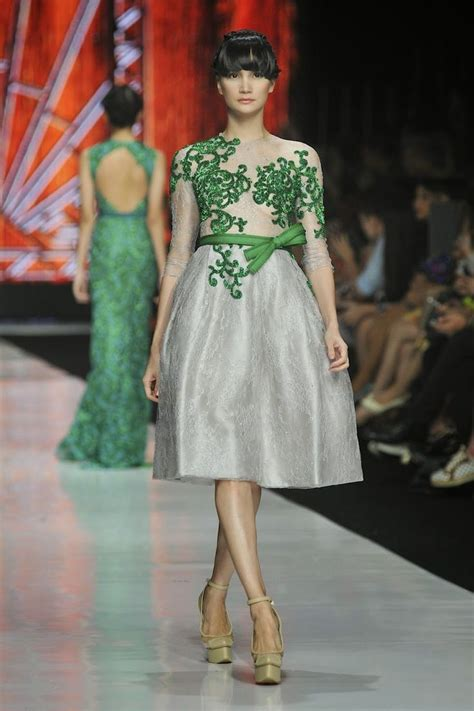 desain gaun tile model gaun pesta ivan gunawan yang mewah dan elegan