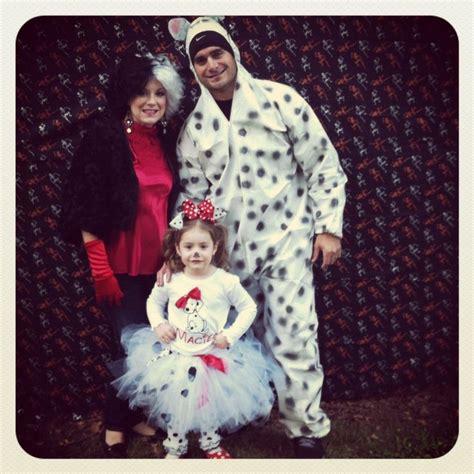 Dalmantion Family family costume 101 dalmatians family dalmatians