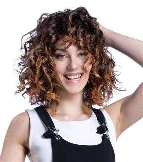 come portare i capelli a 40 anni capelli 40 modi di portare un taglio medio d la