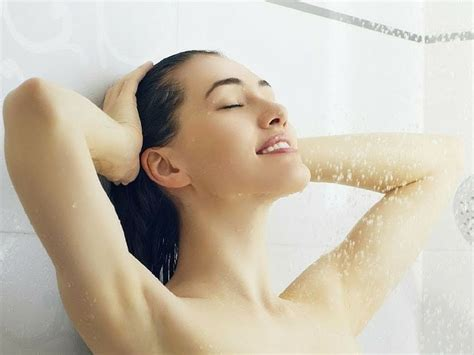 Taking Showers by Amazing Health Benefits Of Everyday Bath Surfolks