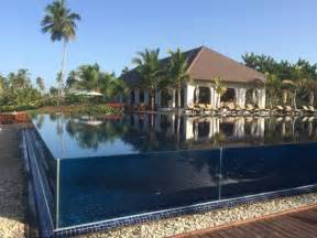 Glasfront des Pools   Picture of The Residence Zanzibar