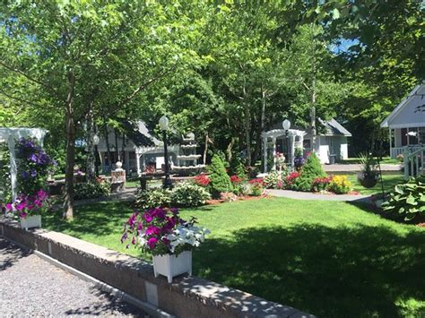centennial cottages hotel 26950 no 4 rd in calumet
