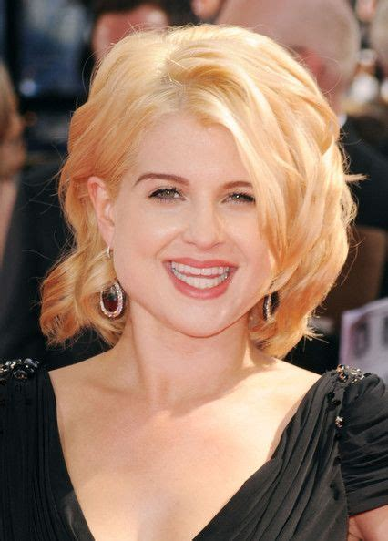 shoulder length hair for women with pear shaped faces kelly osbourne medium curls pear shaped deep side part