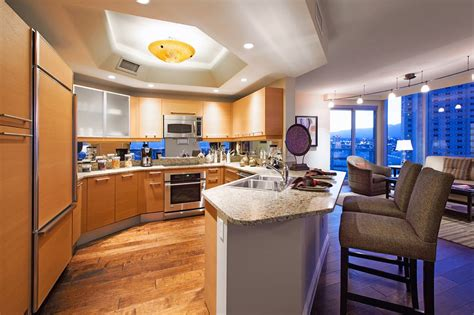 2 bedroom apartments in las vegas nv turnberry towers 42 photos 24 reviews apartments