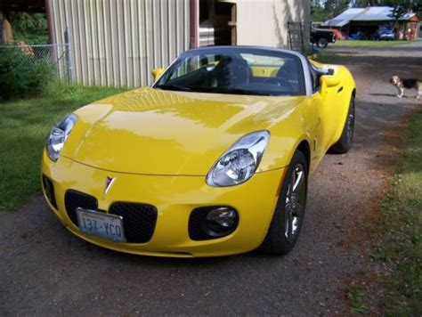 pontiac solstice yellow find used yellow 2008 pontiac roadster solstice gxp