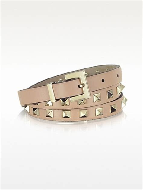 valentino rockstud light pink leather belt in brown pink